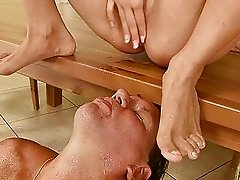 Hot girl and ugly guy pissing and fucking