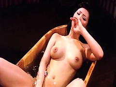 Kaera Uehara naked showing us her breasts and bush as she
