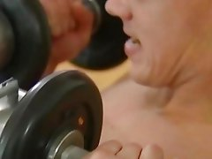 A dude seduces his trainer and makes him suck his cock