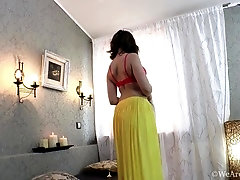 Jessy Fiery comes to bedroom to strip and get nude