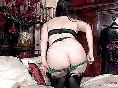 Alone with her camera Brianna Green masturbates
