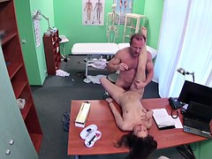 Fake doctor with big dick fucking hot patient in her pussy