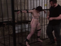Slave Caroline Pierces whipping