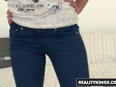 RealityKings - Mikes Apartment - Choky Ice Foxy Di - Foxi Flower