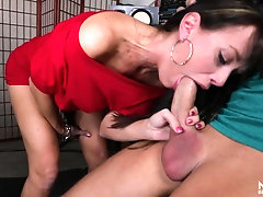 Hot milf gives a musician a great blowjob