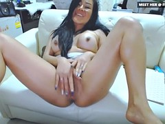 divine asian babe unicorn21 from filthy4u.com showing her talent on cam