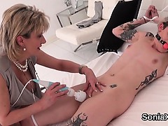 Unfaithful british mature lady sonia shows her big boobs
