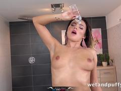 Wetandpuffy - Vanessa Decker Is Back