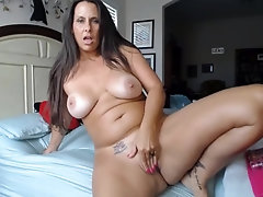 COUGAR With Wonderful Curvaceous Figure Well-Prepped To Get Supah Wild - uiPorn