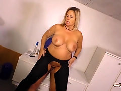 HAUSFRAU FICKEN - Ash-Blonde German housewife gets her first-timer vulva plowed