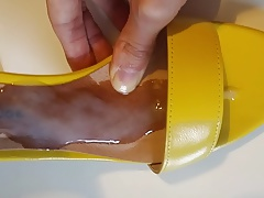 Shoejob cumming in wife's yellow high-heel sandals