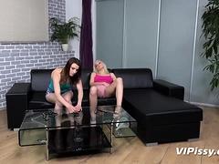 Vipissy - Dominoes - Pissing Lesbians