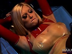 Hot blonde gets pussy massaged by kinky ebony babe