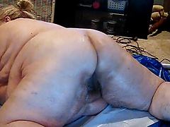 WHO WANTS TO FUCK ME